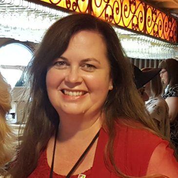 Heather Foss Receives CFUW Notable Woman Award